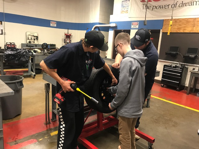 Auto Service Tech Students